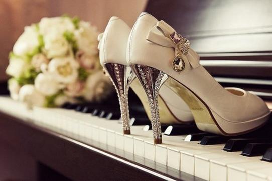 这双鞋,每个女人都应该看一看...