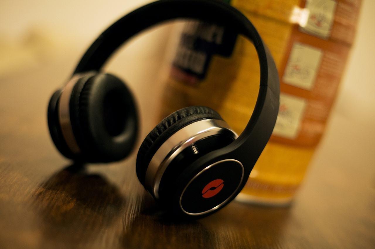 游戏耳机之有线和无线那个好?无线游戏耳机推荐?